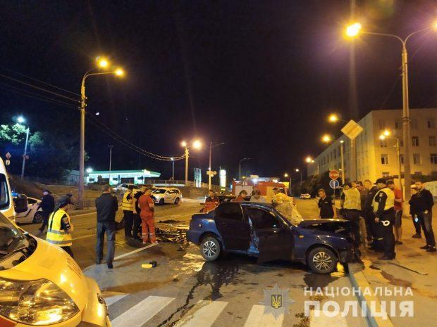 В Харькове в результате ночного ДТП погибли двое водителей