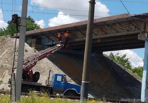 Дорожники Харьковщины продолжают ремонт мостов