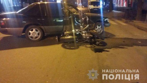 Ночью в центре Харькова сбили мотоциклиста