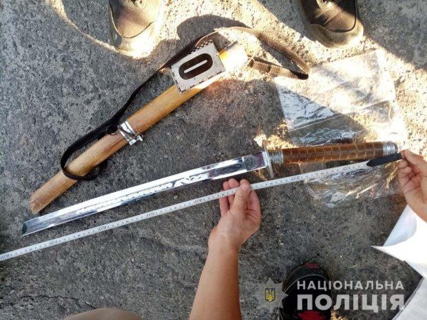 Под Харьковом пьяный пациент угрожал врачу мечем