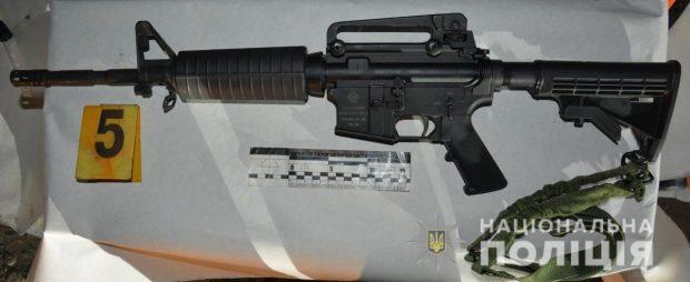 У рейдеров, которые пытались захватить госпредприятие под Харьковом, изъяли арсенал оружия