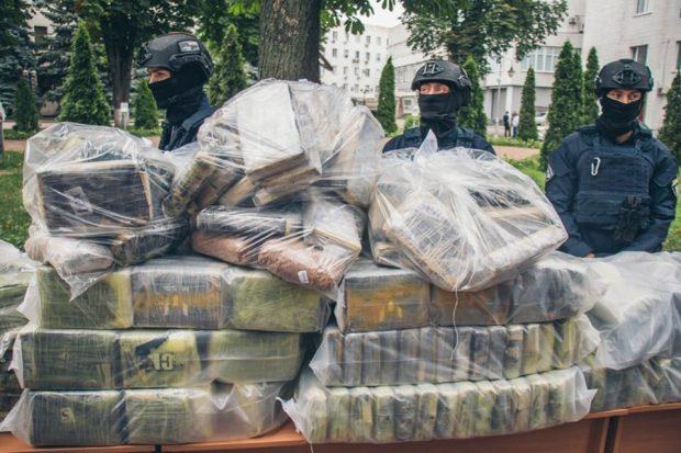"""""""Давайте и все вместе работать, а не заниматься популизмом"""", - полиция ответила Кернесу"""