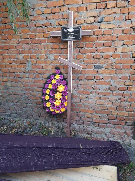 Юрист, которому принесли под офис гроб, ищет свидетелей