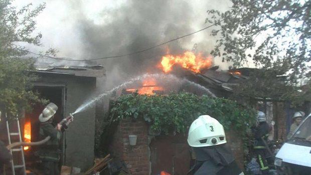 Пожар в жилом доме в переулке Рогатинском