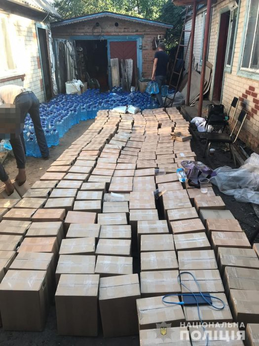 На Харьковщине изъяли почти 10 000 литров контрафактного алкоголя