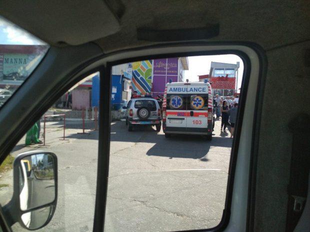 "На ""Барабашово"" заявляют, что представители ""Нацкорпуса"" нападали на сотрудников ТЦ"
