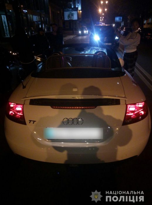 На Сумской девушка на Audi сбила четырех пешеходов