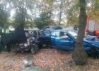 В Харькове столкнулись два автомобиля, спасатели вытаскивали застрявшего водителя
