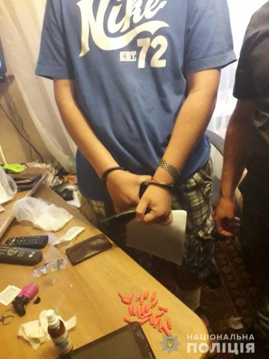 Харьковские полицейские изъяли наркотиков на 300 000 гривен