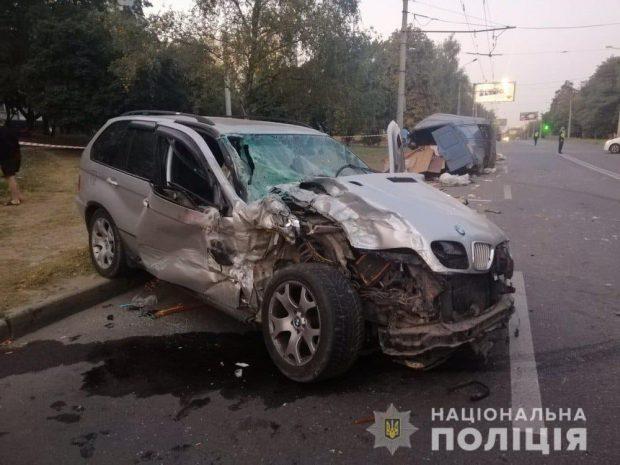 На Салтовке пьяный водитель спровоцировал аварию: пострадала женщина