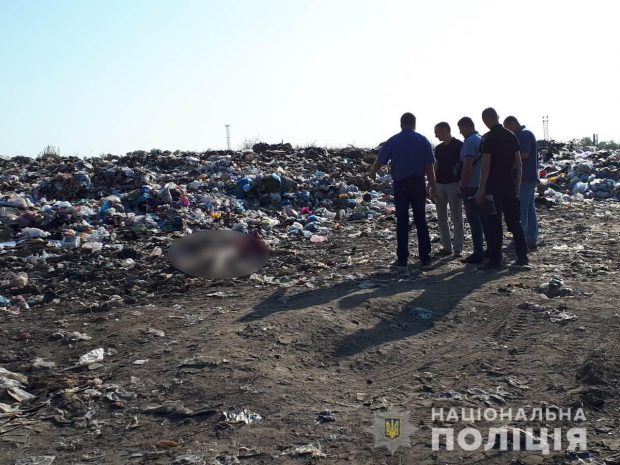 Тело женщины на свалке под Харьковом: правоохранители нашли злоумышленника (видео)