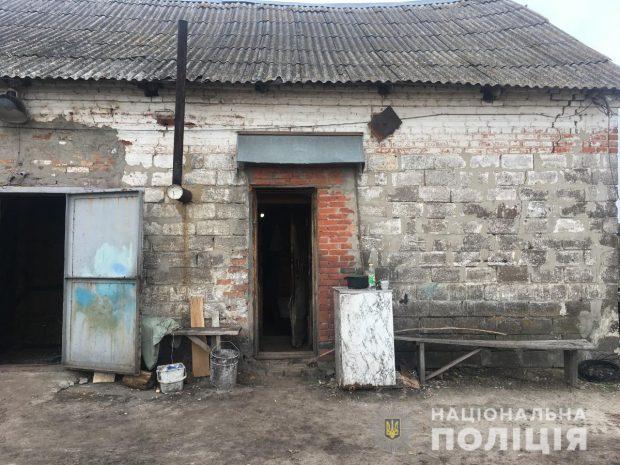 Под Харьковом мужчина в ходе пьянки едва не зарезал собутыльника