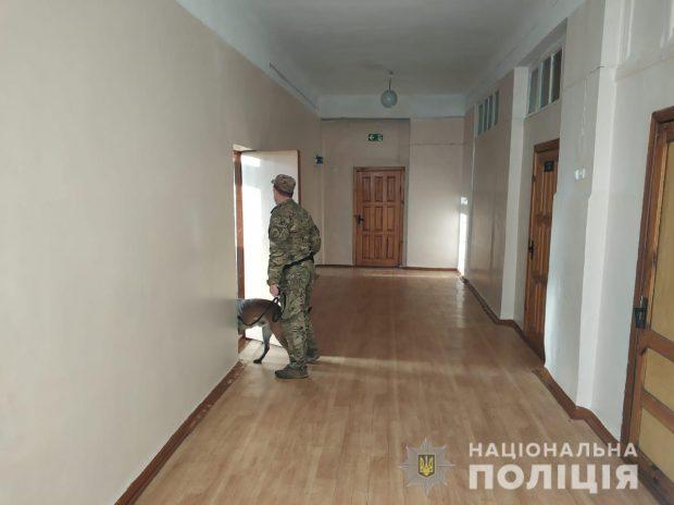 Информация о заминировании пяти учебных заведений в Харькове не подтвердилась