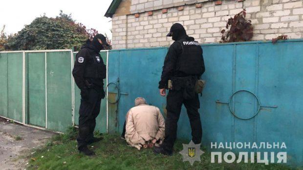 В Харькове полиция разоблачила мужчину в продаже оружия