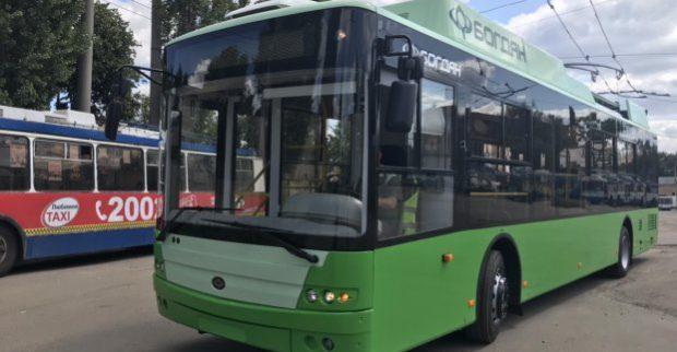 Для Харькова закупают новые троллейбусы и вагоны метро