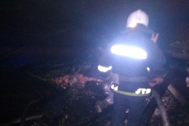 Под Харьковом спасатели потушили пожар, возникший из-за неисправности печного отопления