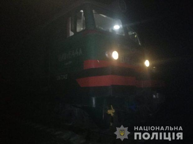 На Харьковщине товарный поезд на смерть сбил мужчину