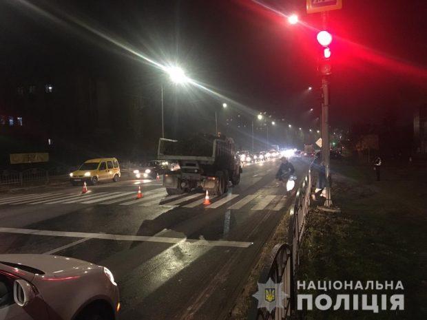 В Харькове КрАЗ сбил ребенка