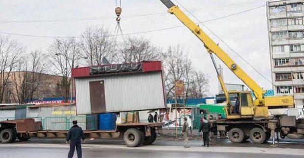 Харьков освободили от почти полтысячи самовольно установленных объектов