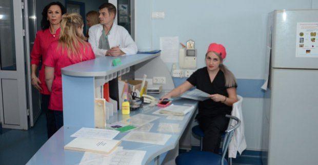 За сутки в больницу скорой и неотложной помощи обращаются 180 пациентов