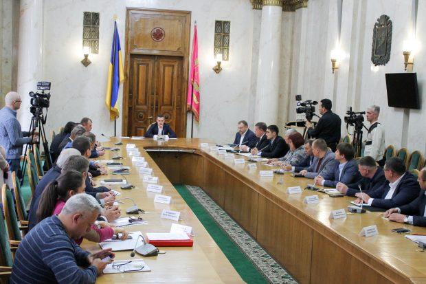 Кучер предложил главам ОТГ и чиновникам собраться в Telegram