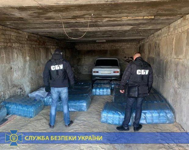 Жители Харьковщины разливали в гараже суррогатный алкоголь