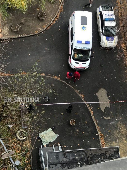 На Салтовке женщина выпала из окна шестнадцатиэтажки