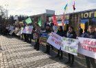 На площади Свободы активисты требуют встречи с Зеленским
