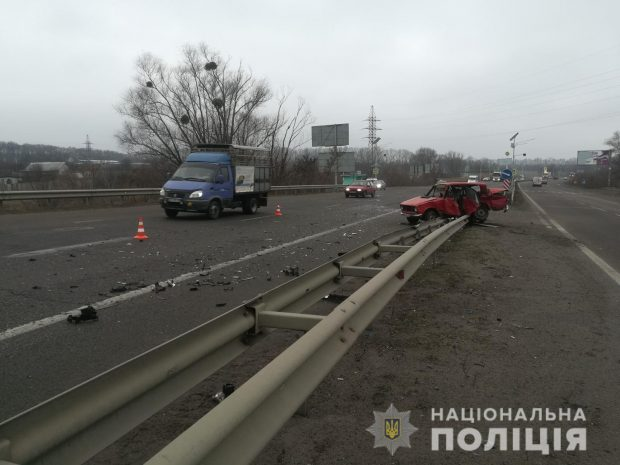 Под Харьков в результате автокатастрофы погиб мужчина