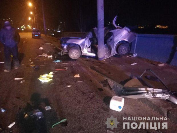 В Харькове в результате аварии пострадал водитель автомобиля