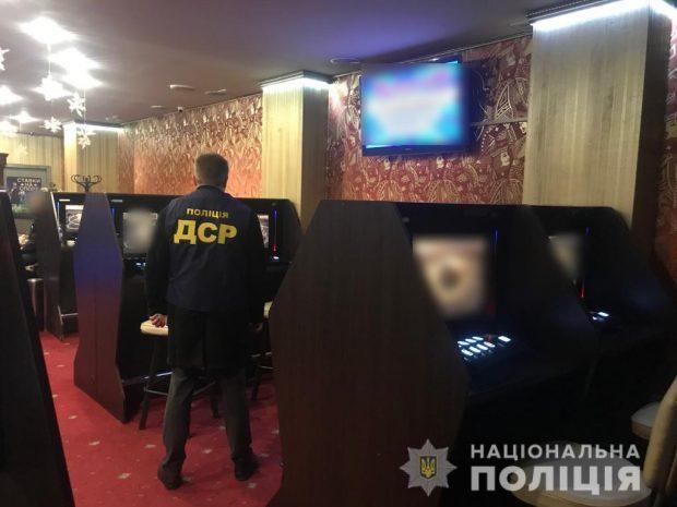 В Харьковской области полиция закрыла всего лишь 19 из 440 игровых салонов