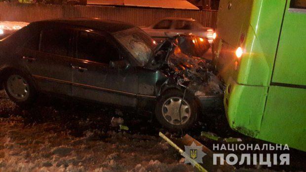 В Харькове в результате аварии пострадал водитель