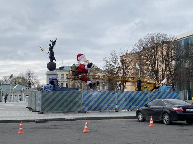 Харьков украшают в новогодним праздникам