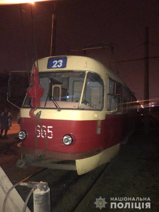 В Харькове трамвай переехал мужчину