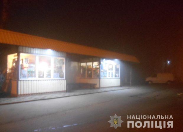 Под Харьковом мужчина стрелял по киоскам