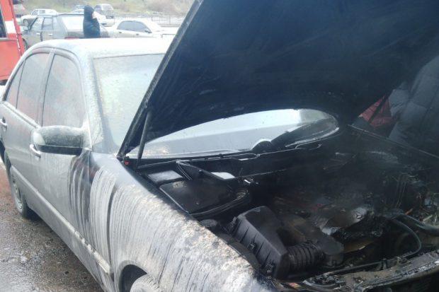 На Салтовке на парковке сгорел автомобиль