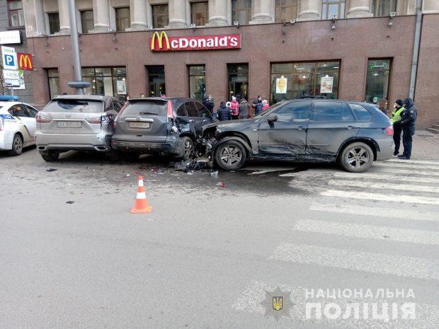 В Харькове в результате аварии велосипедист получил травмы
