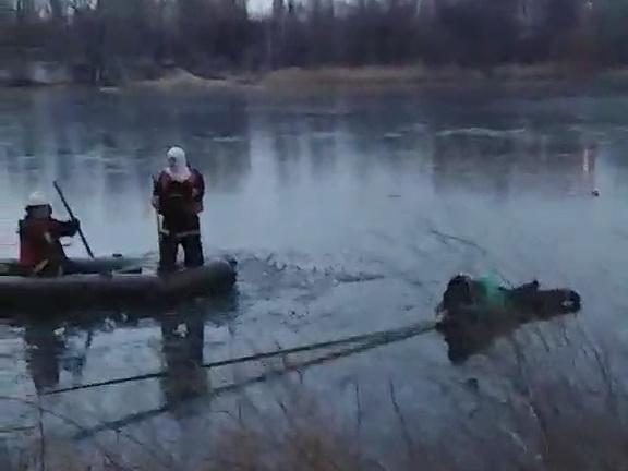 В Харькове спасли рыбака, который провалился под лед