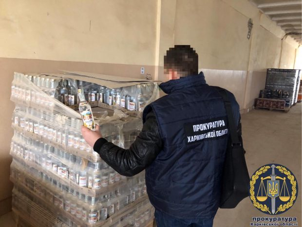 На Харьковщине изъяли более 4500 бутылок контрафактного алкоголя