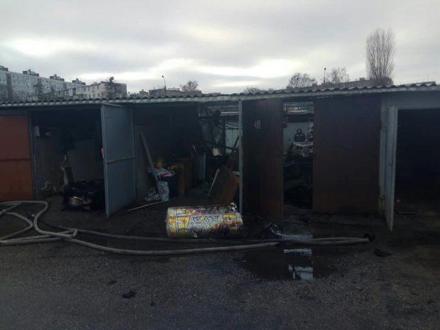 Пожар в гаражном кооперативе в Харькове: один человек погиб