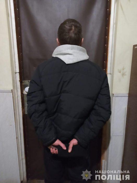 Под Харьковом задержали мужчину, который из-за долга забил своего знакомого до смерти