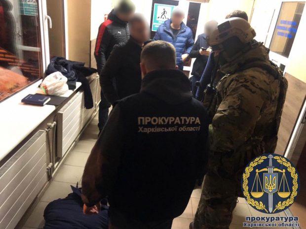 На пункте пропуска «Гоптовка» задержан инспектор таможенного поста на получении взятки