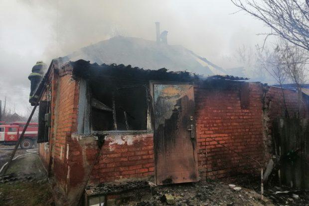 В Харьковской области огонь уничтожил дом