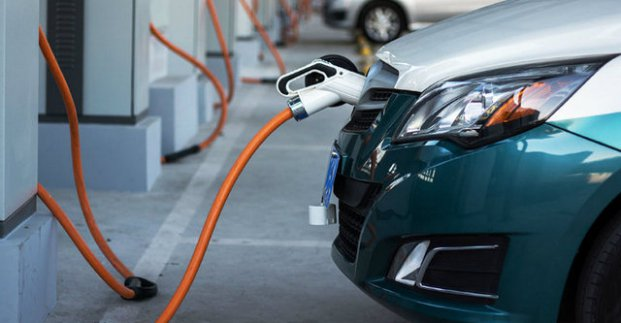 Харьковские муниципальные парковки оборудуют электрозаправками