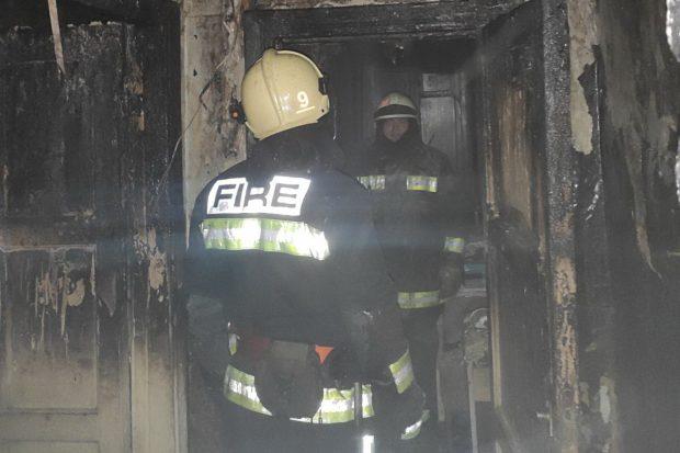 В центре Харькова горел дом: люди просили о помощи с балконов