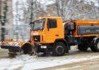 Дороги Харькова убирают более 140 снегоуборочных машин