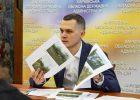 Кучер заявил о саботаже среди подчиненных и уволил первого чиновника