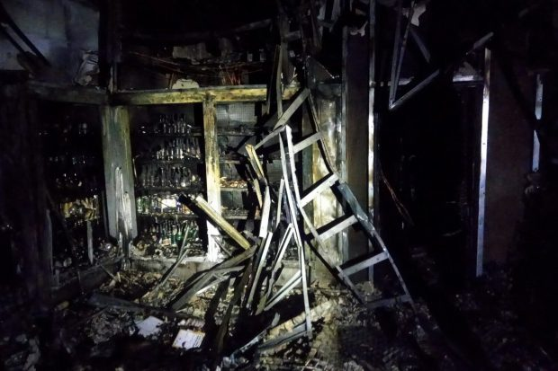 В Харькове сгорел торговый павильон