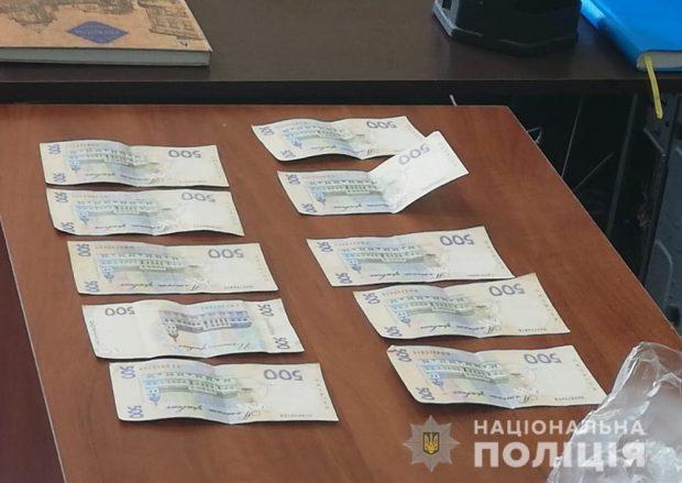 На Харьковщине задержали мужчину, который пытался дать взятку полицейскому