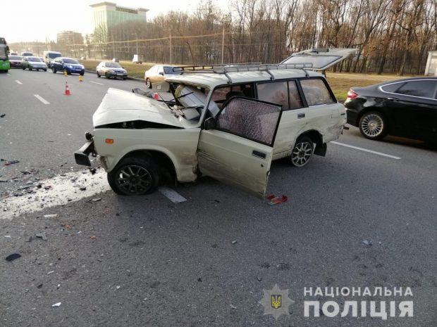 В результате аварии в Харькове пострадали пятеро